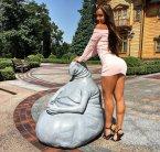 Индивидуалки Киева:Адель VIP-модель целует